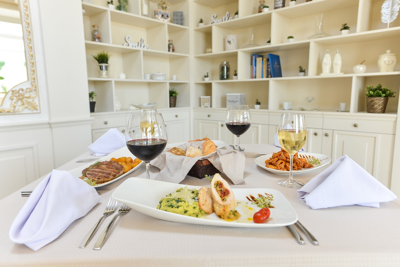 Restoran in the Villa Florence Bulgaria - photo03